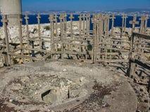 Οι καταστροφές του προμαχώνα του δεύτερου παγκόσμιου πολέμου στο νησί στοκ εικόνες