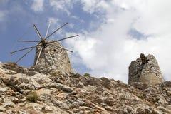 Οι καταστροφές των αρχαίων ενετικών ανεμόμυλων ενσωμάτωσαν το 15ο αιώνα, οροπέδιο Lassithi, Κρήτη, Ελλάδα Στοκ Φωτογραφίες
