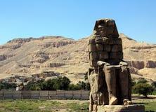Οι κολοσσοί Memnon Σωστό άγαλμα Στοκ φωτογραφίες με δικαίωμα ελεύθερης χρήσης