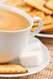 οι κροτίδες καφέ κοιλαί&nu Στοκ εικόνες με δικαίωμα ελεύθερης χρήσης