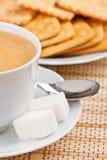 οι κροτίδες καφέ κοιλαί&nu Στοκ εικόνα με δικαίωμα ελεύθερης χρήσης