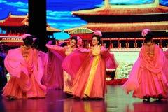 Οι κυρίες χορεύουν στα δυναστεία-μεγάλα σενάρια show† κλίμακας του Tang ο δρόμος legend† Στοκ εικόνα με δικαίωμα ελεύθερης χρήσης