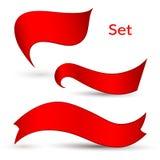 Οι κόκκινες κορδέλλες σε ένα ελαφρύ υπόβαθρο απομόνωσαν το στοιχείο του σχεδίου του συνόλου αφισών Α εμβλημάτων διαφήμισης κορδελ διανυσματική απεικόνιση