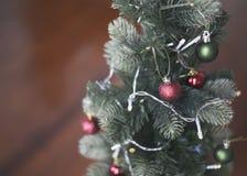 Οι κόκκινες σφαίρες των Χριστουγέννων Στοκ Εικόνα