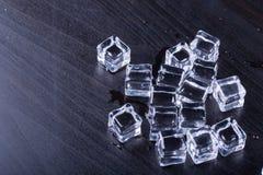 Οι κύβοι πάγου δροσίζουν Στοκ φωτογραφίες με δικαίωμα ελεύθερης χρήσης