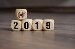 Οι κύβοι χωρίζουν σε τετράγωνα με τους στόχους στόχων για το 2019 στοκ φωτογραφία με δικαίωμα ελεύθερης χρήσης