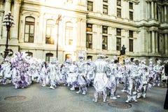 Οι μίμοι με προσωπείο παρελαύνουν το 2015 Στοκ φωτογραφία με δικαίωμα ελεύθερης χρήσης