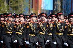 Οι μαθητές του στρατιωτικού σχολείου Tver Suvorov στην πρόβα φορεμάτων της παρέλασης στο κόκκινο τετράγωνο προς τιμή την ημέρα νί Στοκ Εικόνες