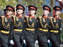 Οι μαθητές του στρατιωτικού σχολείου Tver Suvorov στην πρόβα φορεμάτων της παρέλασης στο κόκκινο τετράγωνο προς τιμή την ημέρα νί Στοκ Φωτογραφίες