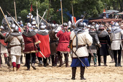 Οι μεσαιωνικοί ιππότες μάχονται Στοκ φωτογραφία με δικαίωμα ελεύθερης χρήσης