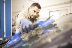 Οι μηχανικές εργασίες στο εργαστήριο στοκ εικόνα με δικαίωμα ελεύθερης χρήσης