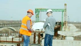 Οι μηχανικοί κατασκευής εργάζονται απόθεμα βίντεο