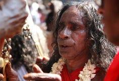 Οι μη αναγνωρισμένοι χρησμοί χορεύουν στη έκσταση κατά τη διάρκεια του φεστιβάλ Bharani στο ναό Kodungallur Bhagavathi Στοκ εικόνες με δικαίωμα ελεύθερης χρήσης