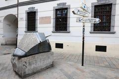 Οι μοναδικές οδοί της παλαιάς Μπρατισλάβα, συναρπάζουν από τη γοητεία, ένα cosiness και μια άριστη μπύρα στοκ φωτογραφίες με δικαίωμα ελεύθερης χρήσης
