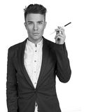 Οι μοντέρνοι νεαροί άνδρες με αποτελούν τη βούρτσα στο στούντιο που απομονώνεται Στοκ εικόνες με δικαίωμα ελεύθερης χρήσης