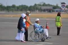 Οι μουσουλμανικοί προσκυνητές έφθασαν στην Ινδονησία μετά από τελείωσαν το ετήσιο haj Στοκ Εικόνες