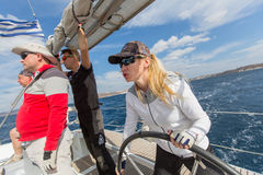 Οι ναυτικοί συμμετέχουν 16ο φθινόπωρο 2016 Ellada regatta ναυσιπλοΐας μεταξύ της ελληνικής ομάδας νησιών Στοκ φωτογραφίες με δικαίωμα ελεύθερης χρήσης