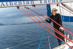 Οι ναυτικοί συμμετέχουν το 12ο φθινόπωρο 2014 Ellada regatta ναυσιπλοΐας μεταξύ της ελληνικής ομάδας νησιών στο Αιγαίο πέλαγος Στοκ φωτογραφίες με δικαίωμα ελεύθερης χρήσης