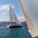 Οι ναυτικοί συμμετέχουν το 16ο φθινόπωρο 2016 Ellada regatta ναυσιπλοΐας μεταξύ της ελληνικής ομάδας νησιών Στοκ Φωτογραφία