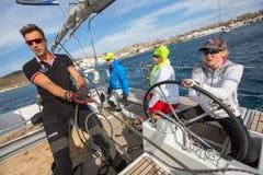 Οι ναυτικοί συμμετέχουν το 16ο φθινόπωρο 2016 Ellada regatta ναυσιπλοΐας μεταξύ της ελληνικής ομάδας νησιών στο Αιγαίο πέλαγος Στοκ Φωτογραφίες