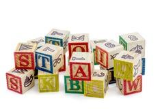 Οι ξύλινοι φραγμοί αλφάβητου Στοκ εικόνα με δικαίωμα ελεύθερης χρήσης