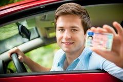 οι οδηγοί χορηγούν άδεια στοκ εικόνες