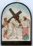 οι 6οι σταθμοί του σταυρού, Βερόνικα σκουπίζουν το πρόσωπο του Ιησού Στοκ Φωτογραφία