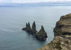 Οι ομορφιές της Ισλανδίας, των απέραντων λόφων και των απότομων βράχων της περιοχής Στοκ φωτογραφίες με δικαίωμα ελεύθερης χρήσης