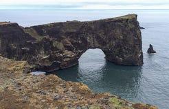 Οι ομορφιές της Ισλανδίας, των απέραντων λόφων και των απότομων βράχων της περιοχής Στοκ εικόνες με δικαίωμα ελεύθερης χρήσης