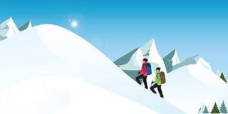Οι ορειβάτες στα χιονώδη χειμερινά βουνά στη χειμερινή εποχή Στοκ φωτογραφία με δικαίωμα ελεύθερης χρήσης