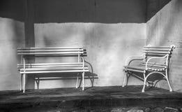 Οι πάγκοι στον ήλιο Στοκ φωτογραφία με δικαίωμα ελεύθερης χρήσης