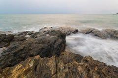 Οι πέτρες είναι στην παραλία Στοκ φωτογραφίες με δικαίωμα ελεύθερης χρήσης