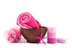 οι πέτρες προσοχής κεριών μπουκαλιών σωμάτων υποβάλλουν τις πετσέτες Στοκ Εικόνες