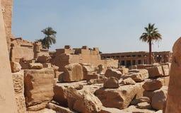 Οι παλαιές καταστροφές πετρών στον αρχαίο αιγυπτιακό ναό σύνθετο Στοκ Εικόνες