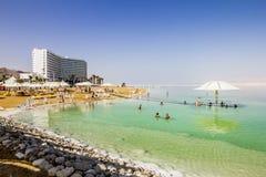 Οι παραλίες στη νεκρή θάλασσα στο Ισραήλ Στοκ φωτογραφία με δικαίωμα ελεύθερης χρήσης