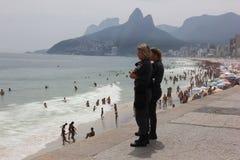 Οι παραλίες του Ρίο de Janeiro's είναι συσσωρευμένες την παραμονή του καρναβαλιού Στοκ Φωτογραφίες