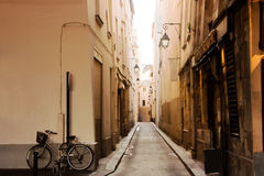 Οι παλαιές οδοί του Παρισιού Στοκ φωτογραφία με δικαίωμα ελεύθερης χρήσης