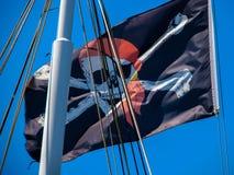 Οι πειρατές σημαιοστολίζουν Στοκ φωτογραφία με δικαίωμα ελεύθερης χρήσης