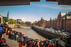 Οι πεμπτουσιακές κλειδαριές αγάπης της Ευρώπης Στοκ φωτογραφίες με δικαίωμα ελεύθερης χρήσης