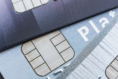 Οι πιστωτικές κάρτες με το μικροτσίπ, κλείνουν επάνω Στοκ φωτογραφία με δικαίωμα ελεύθερης χρήσης