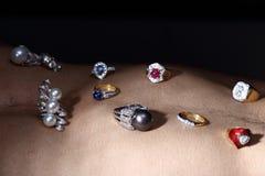 Οι πολύτιμοι λίθοι, κόσμημα, Daimond, χρυσά ασημένια, ροδοκόκκινα vavluable δαχτυλίδια Στοκ εικόνες με δικαίωμα ελεύθερης χρήσης