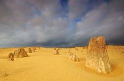 Οι πυραμίδες εγκαταλείπουν το δραματικό καιρό, Θερβάντες Στοκ Εικόνα