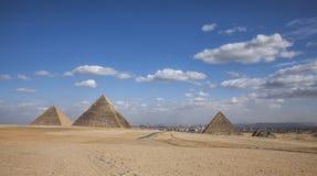 Οι πυραμίδες και οι ουρανοί, Αίγυπτος Στοκ Εικόνες