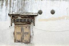 Οι πόρτες και τα παράθυρα γύρω από την παλαιά πόλη λάμα Kota, Σεμαράνγκ, IND Στοκ Εικόνες