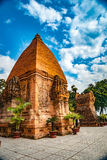 Οι πύργοι Po Nagar κοντά σε Nha Trang στο Βιετνάμ Στοκ Φωτογραφία