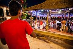 Οι δράστες ντύνουν επάνω για Kandy Esala Perahera Στοκ Εικόνες