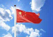 Οι σημαίες της Κίνας κυματίζουν στο αεράκι Στοκ εικόνα με δικαίωμα ελεύθερης χρήσης