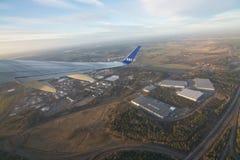 Οι Σκανδιναβικές αερογραμμές jetliner απογειώνονται Στοκ φωτογραφία με δικαίωμα ελεύθερης χρήσης