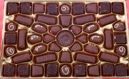οι σοκολάτες κιβωτίων κλείνουν επάνω Στοκ εικόνες με δικαίωμα ελεύθερης χρήσης