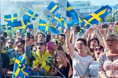 Οι σουηδικοί οπαδοί ποδοσφαίρου γιορτάζουν τους ευρωπαϊκούς πρωτοπόρους Στοκ φωτογραφίες με δικαίωμα ελεύθερης χρήσης